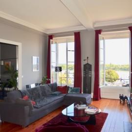 Appartement avec vue panoramique, 3 chambres, 2 parkings, Bordeaux Quai des Chartrons