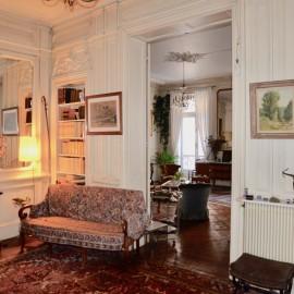 Duplex avec cour et parking 275 m2 - Bordeaux Jardin Public