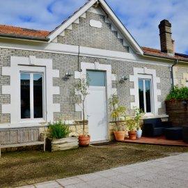 Le Bouscat Ermitage - maison arcachonnaise rénovée avec jardin et stationnement, 3 chambres et 1 bureau