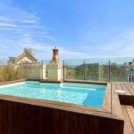 Maison de famille en pierre avec rooftop, piscine chauffée, terrasse, patio, 7 chambres, Bordeaux Jardin Public
