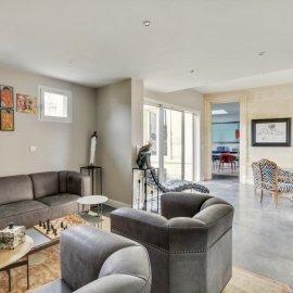 Le Bouscat centre, maison familiale de 270 m2, dépendance, garage, cave, jardin Tram D